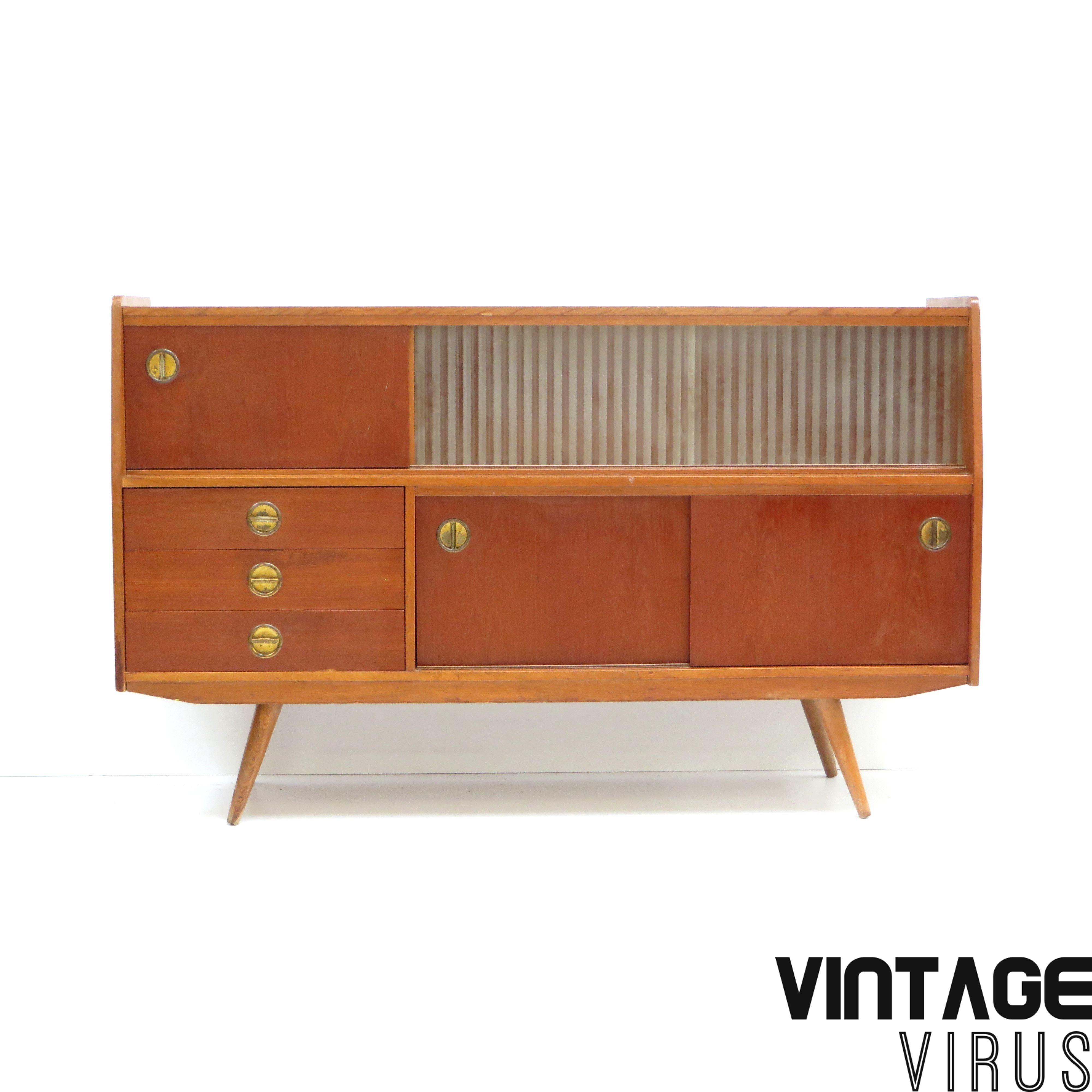 Vintage Dressoir Dressoirkast Met Glazen Schuifdeuren En
