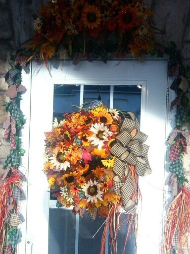 Beautiful Traditional Full Fall Wreath