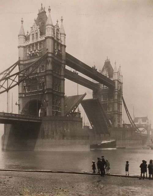 Edward M. Newman, Tower Bridge In Operation - London, England, ca. 1920s