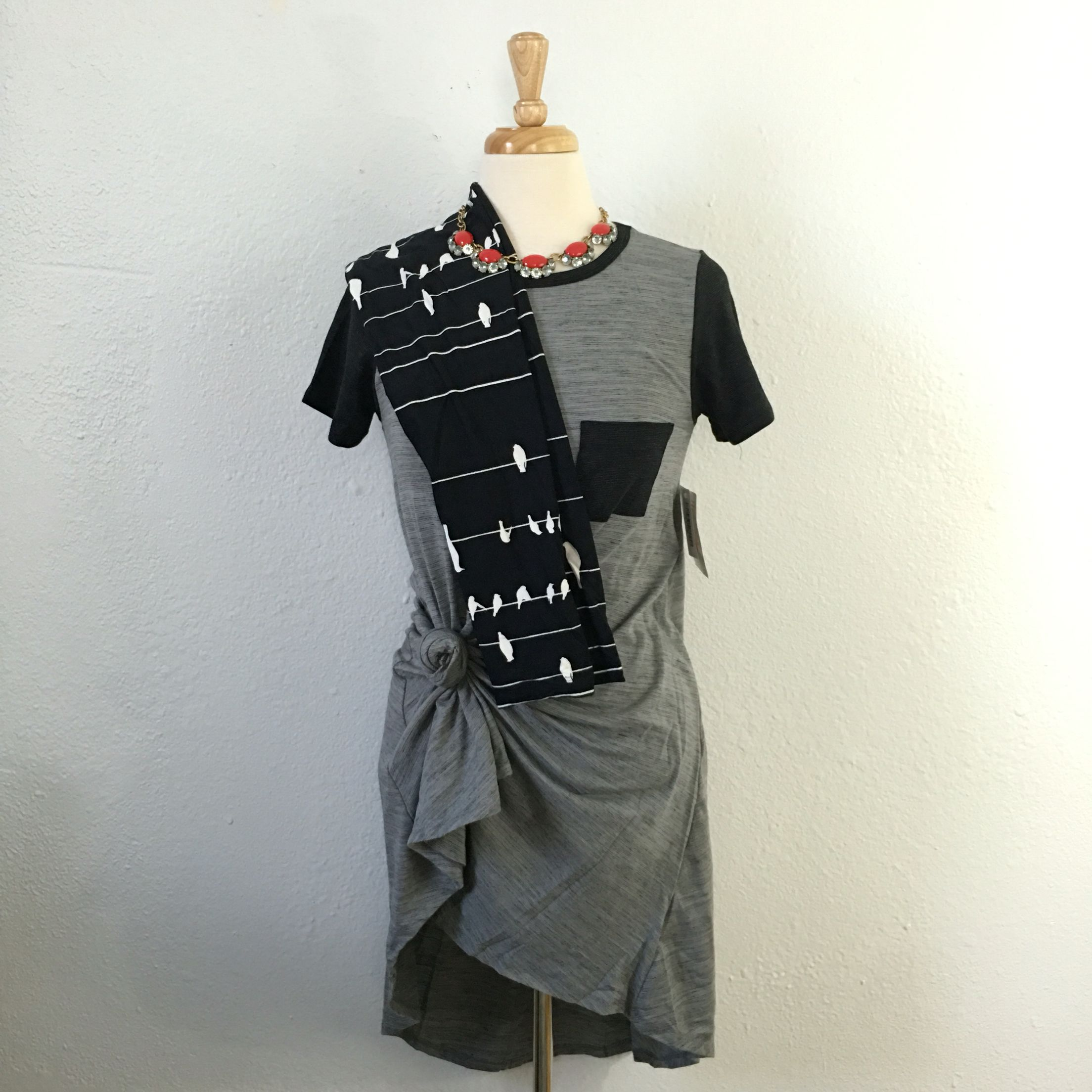 5b47d6fb621 Leggings and a hi-low tee shirt dress. Just add booties!  lularoe ...