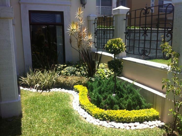 10 Ideas Geniales Para Arreglar El Jardin Por Poco Dinero Homify Homify Paisajismo De Patio Frontal Jardines Tipos De Jardin
