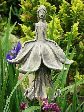 Steinfigur Blütentänzerin Narzisse Steinguss frostfest Höhe ca 25 cm