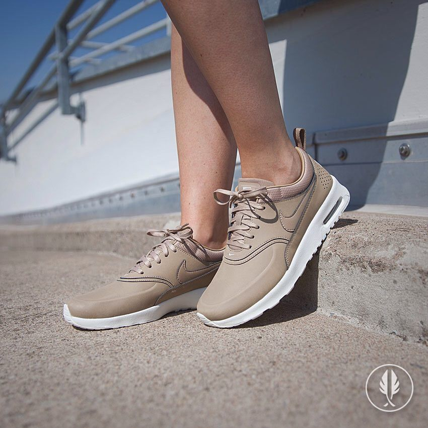 wmns nike air max thea prm beige pumps