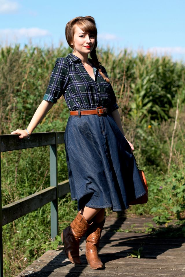 Western influenced 50s style outfit with cowboy boots and ...