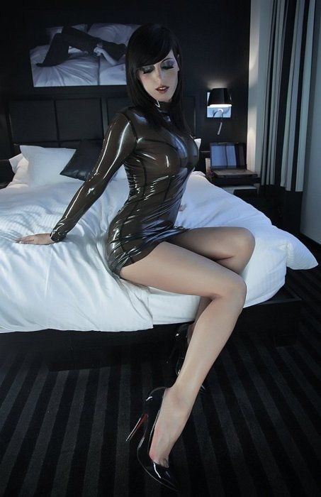... redhead, shaved, bushy shaggy? To me it's just hot, humid, and  willingly accept my banana. The driller of Trapani oh, to become a  girl.....in latex