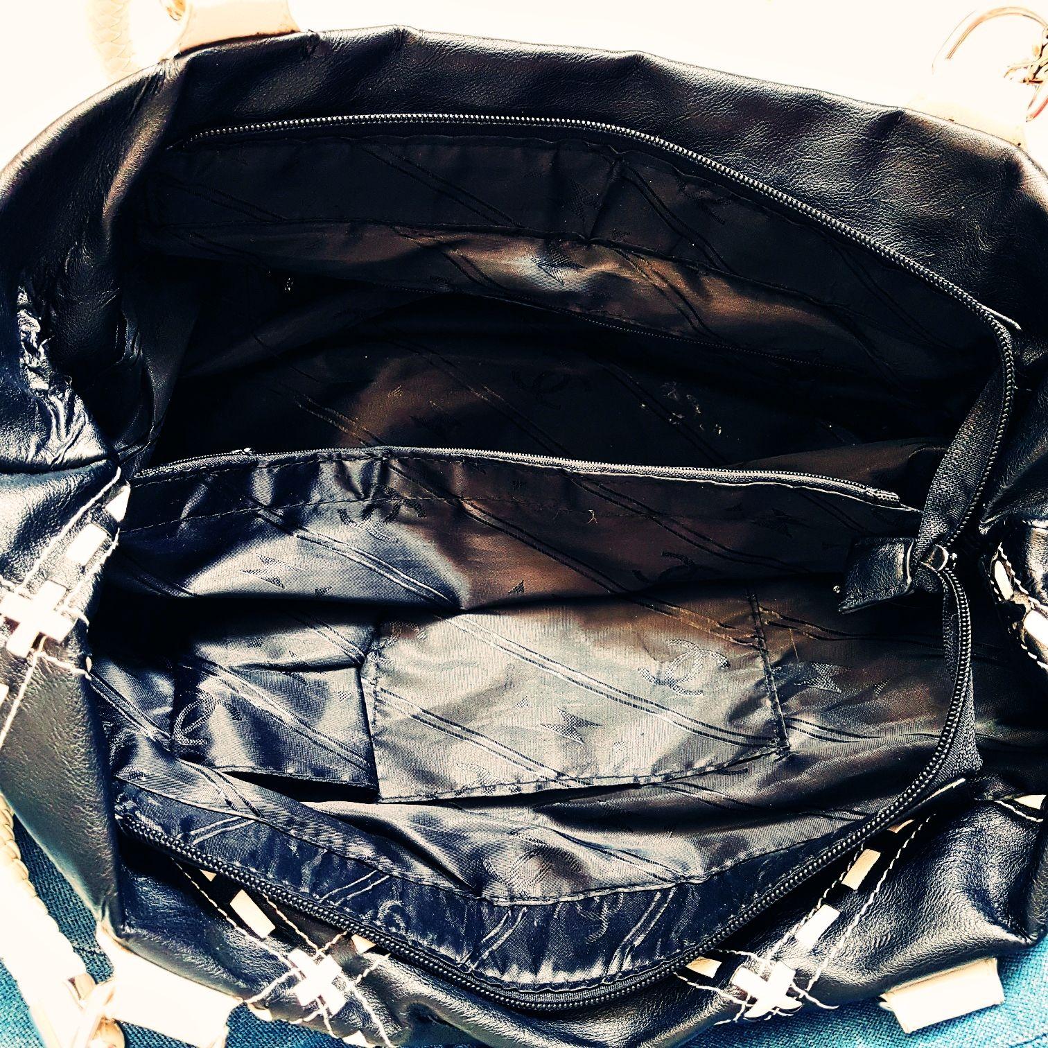 Chanel Tasche in Schwarz und weiß