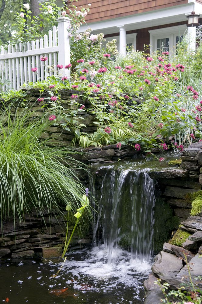 Landscape waterfall feature design Koi pond Pinterest - Cascadas En Jardines