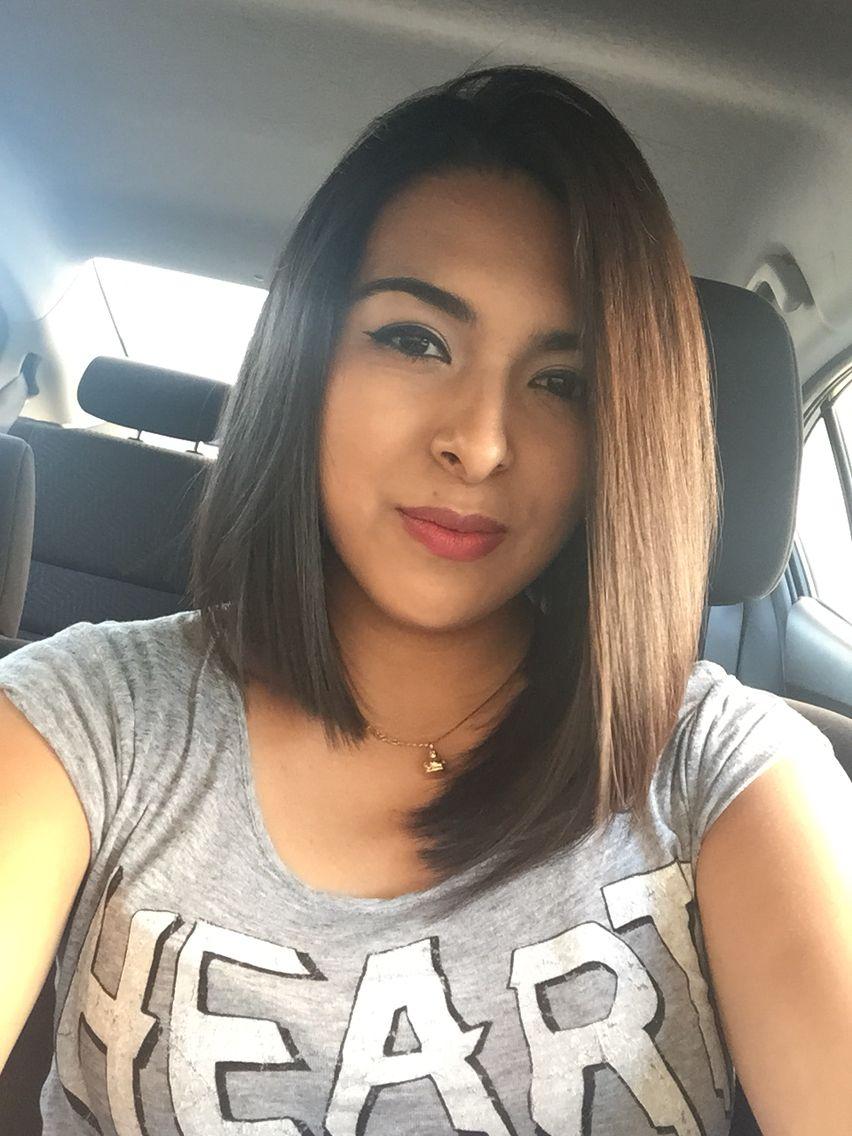 Asymmetrical haircut // Corte de pelo asimétrico.