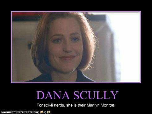 I Don T Think It S Fair Or Right To Even Make This Kind Of Comparison Dana Scully Is A Truly Amazing Complex And Unique Cha X Files Funny X Files Dana Scully