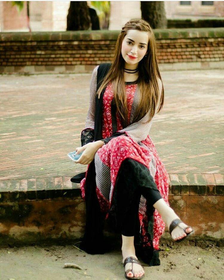 Sumi Amazing Dp Types Of Girls Girls Dpz Pakistani Actress Daisy Dukes