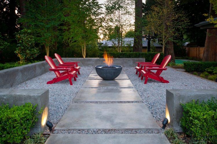 GroBartig Gartengestaltung Mit Kies  Gartengestaltung Kies Splitt Modern  Design Feuerstelle Beton Liegestuehle Rot