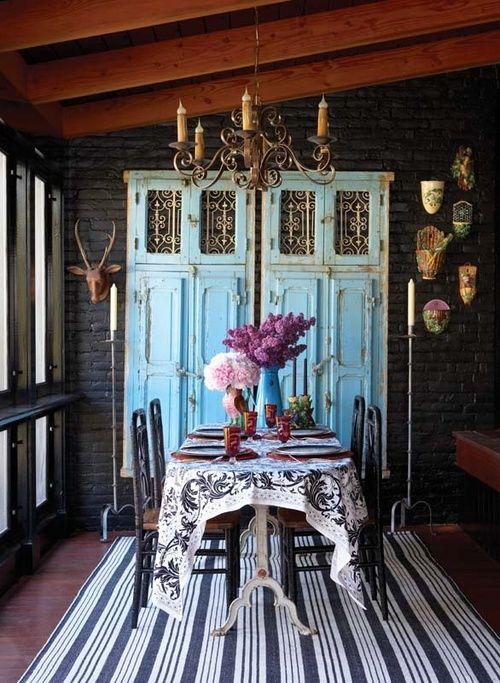 chandelier/powder blue