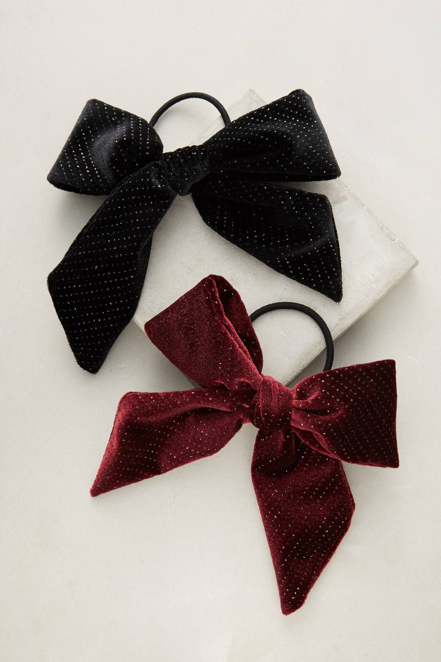 Shop the Shimmered Velvet Bow Pony Holder Set and more Anthropologie at Anthropologie today. Read customer reviews, discover product details and more.