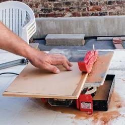 Realiser Un Barbecue Pret A Assembler En Briques Refractaires En 2020 Coupe Carreaux Brique Refractaire Carrelage Exterieur