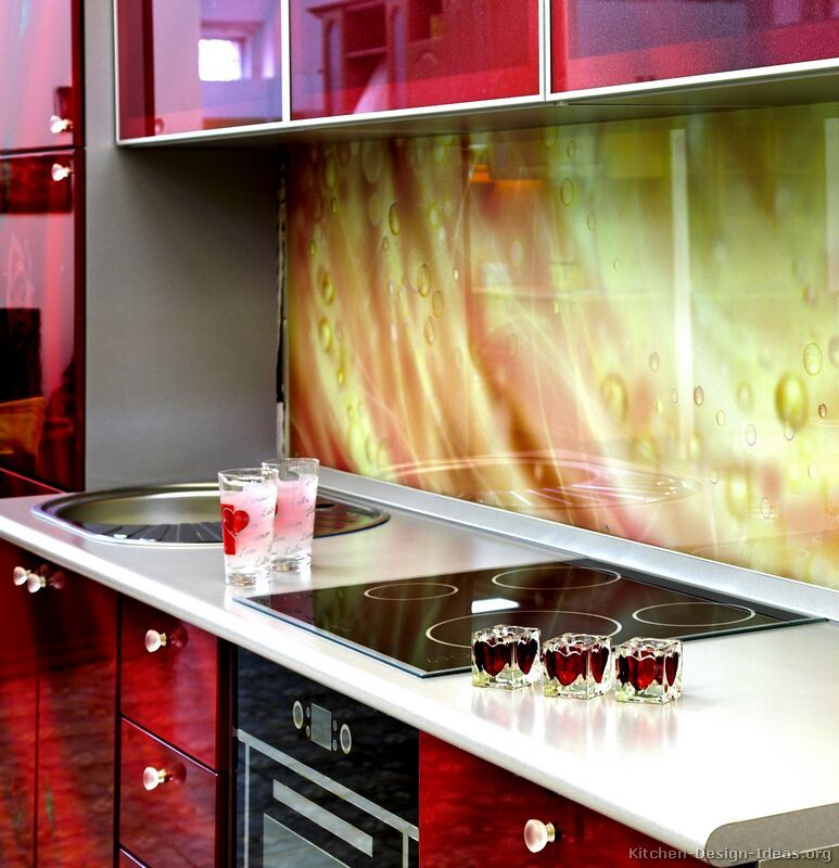 Kitchen Idea Of The Day A Printed Glass Backsplash See More Backsplash Ideas