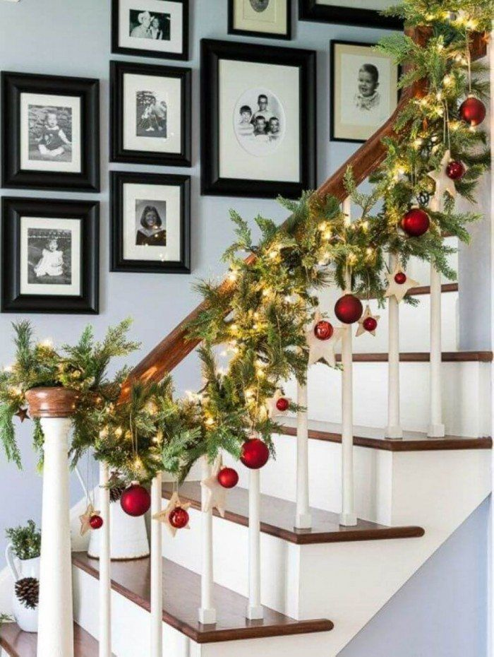 staircase with christmas theme garland decor - Railing Christmas Decorations