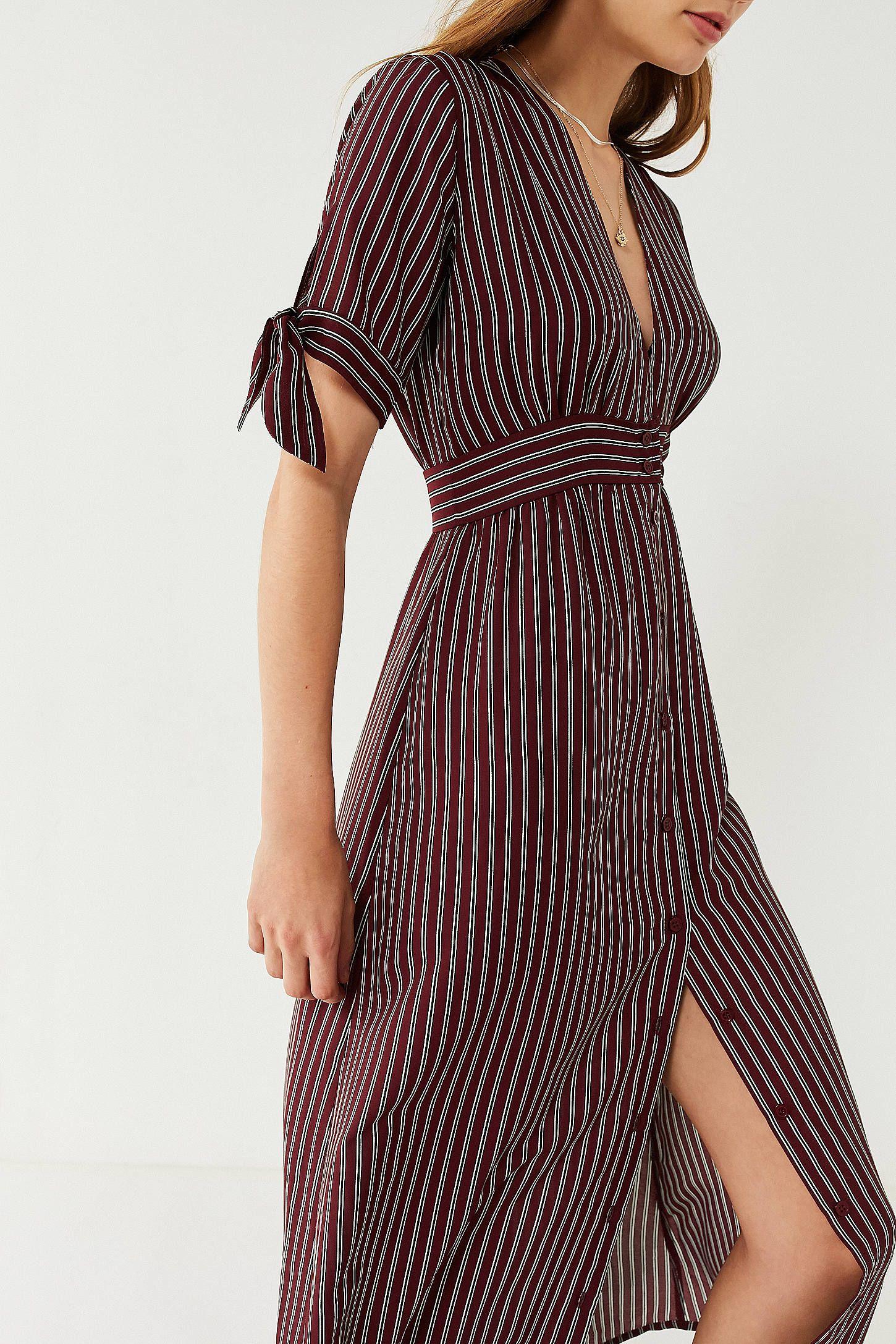 Uo Plunging Short Sleeve Striped Midi Dress Striped Midi Dress Dresses Midi Dress [ 2175 x 1450 Pixel ]