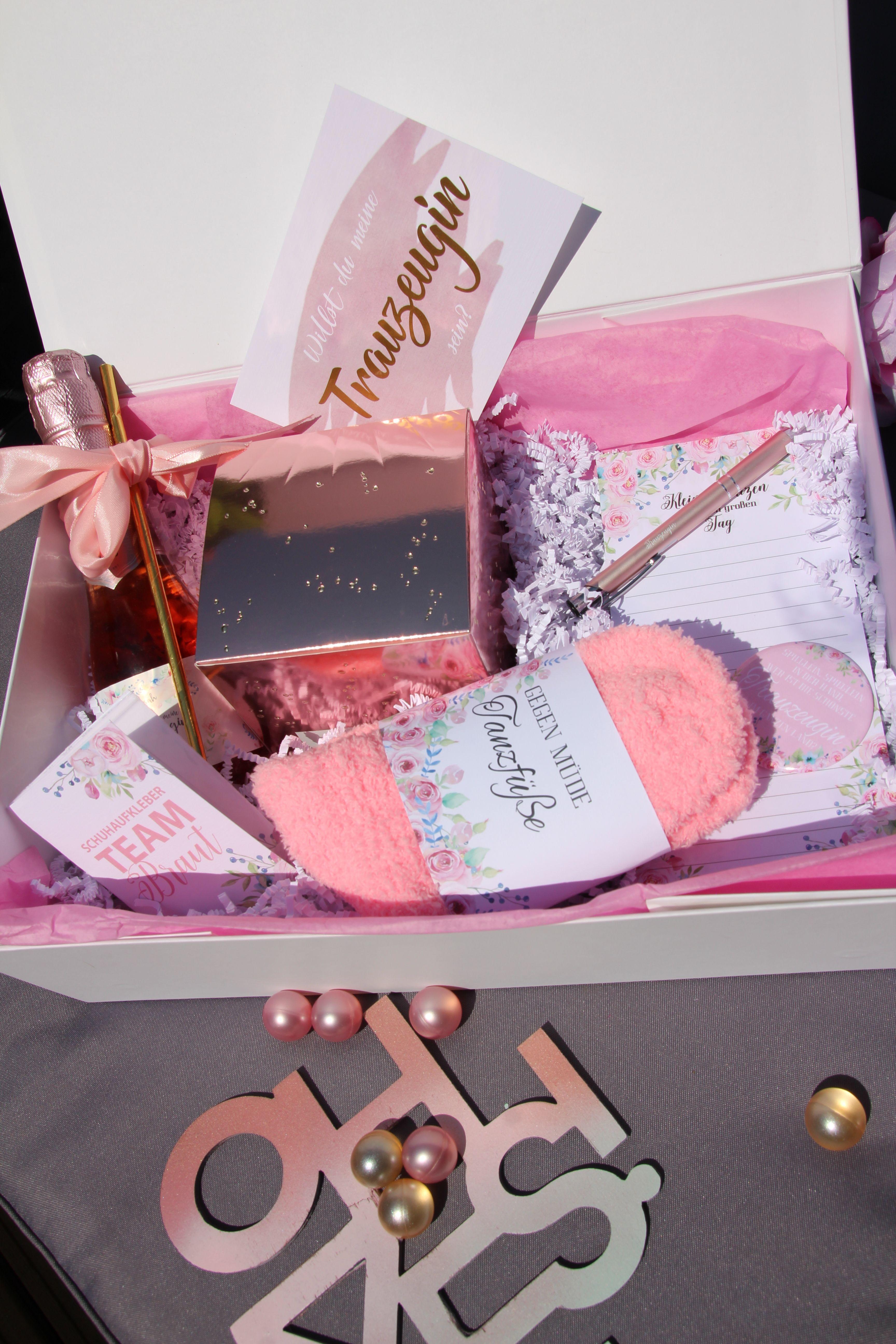 Geschenke Fur Das Brautpaar Toll Verpackt In Personalisierten