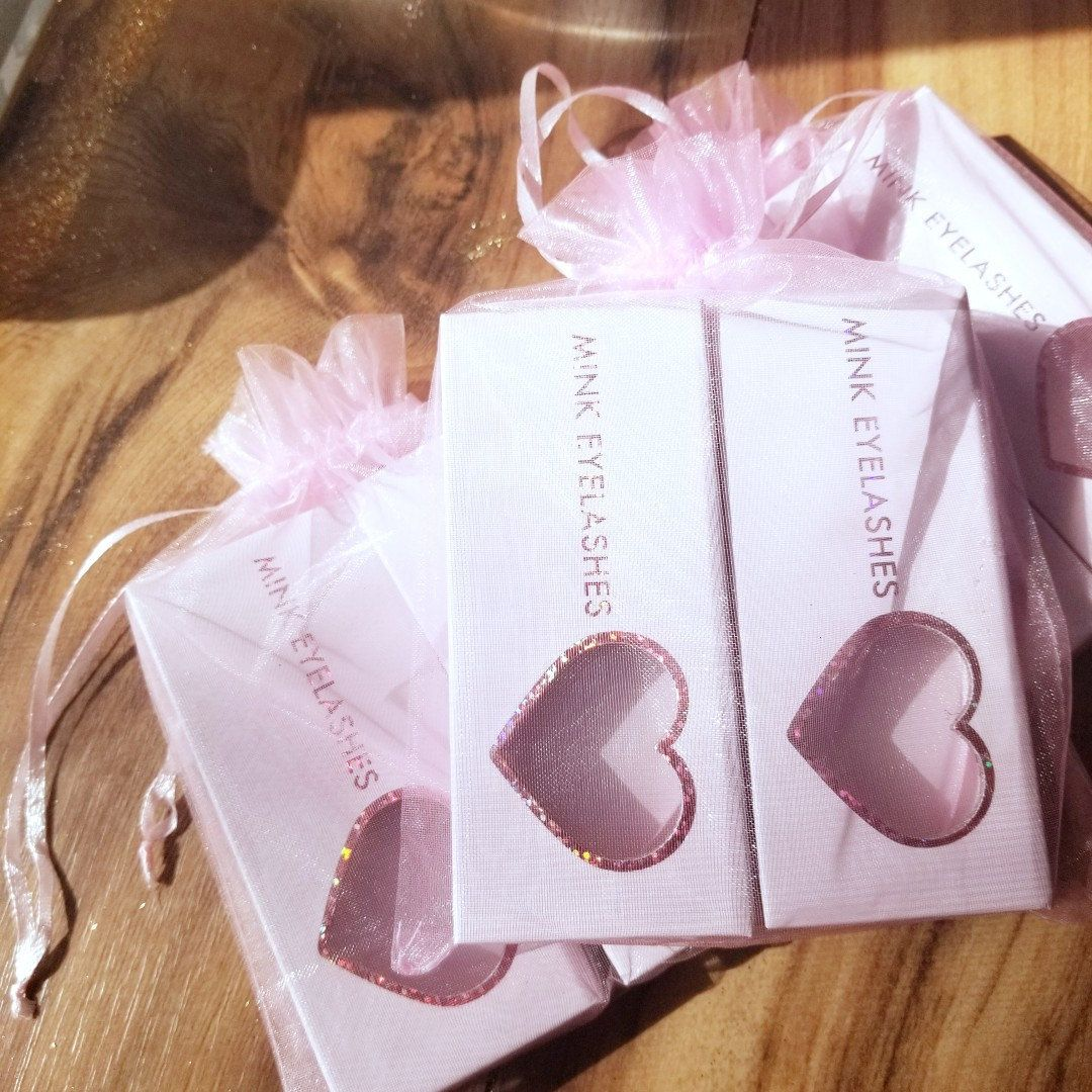 Soft pink beautiful mink lash boxes!!! Eye lash