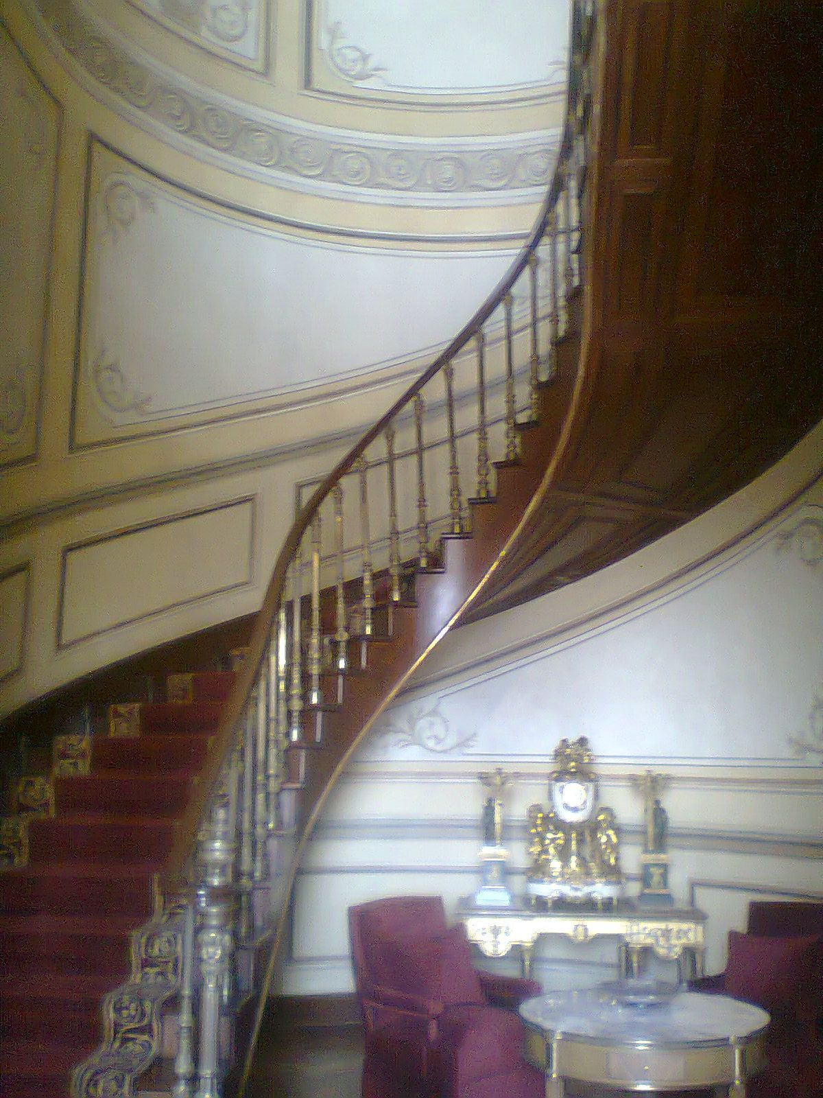 Escalera en el interior que usaban los residentes del for Construir escalera interior
