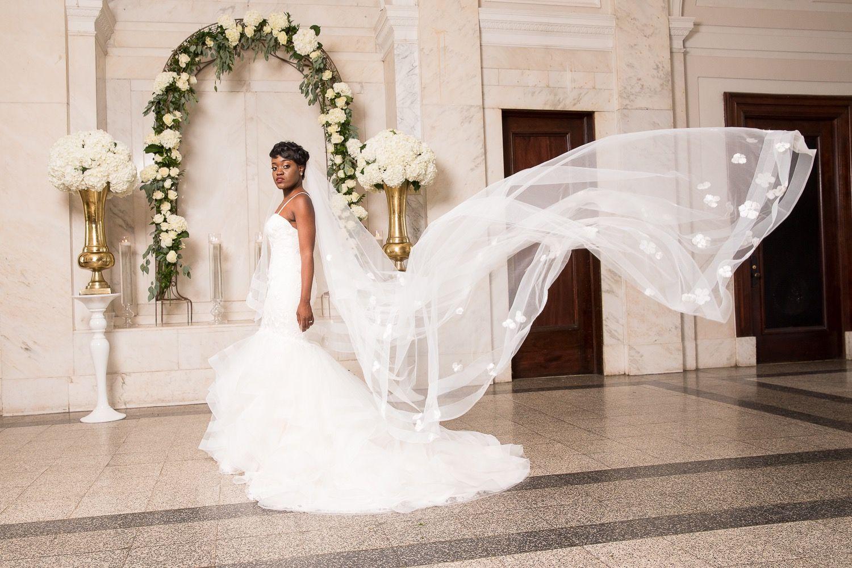 Atlanta Georgia Wedding Historic Dekalb Courthouse Bride Portraits In 2020 Courthouse Wedding Atlanta Wedding Bride Portrait