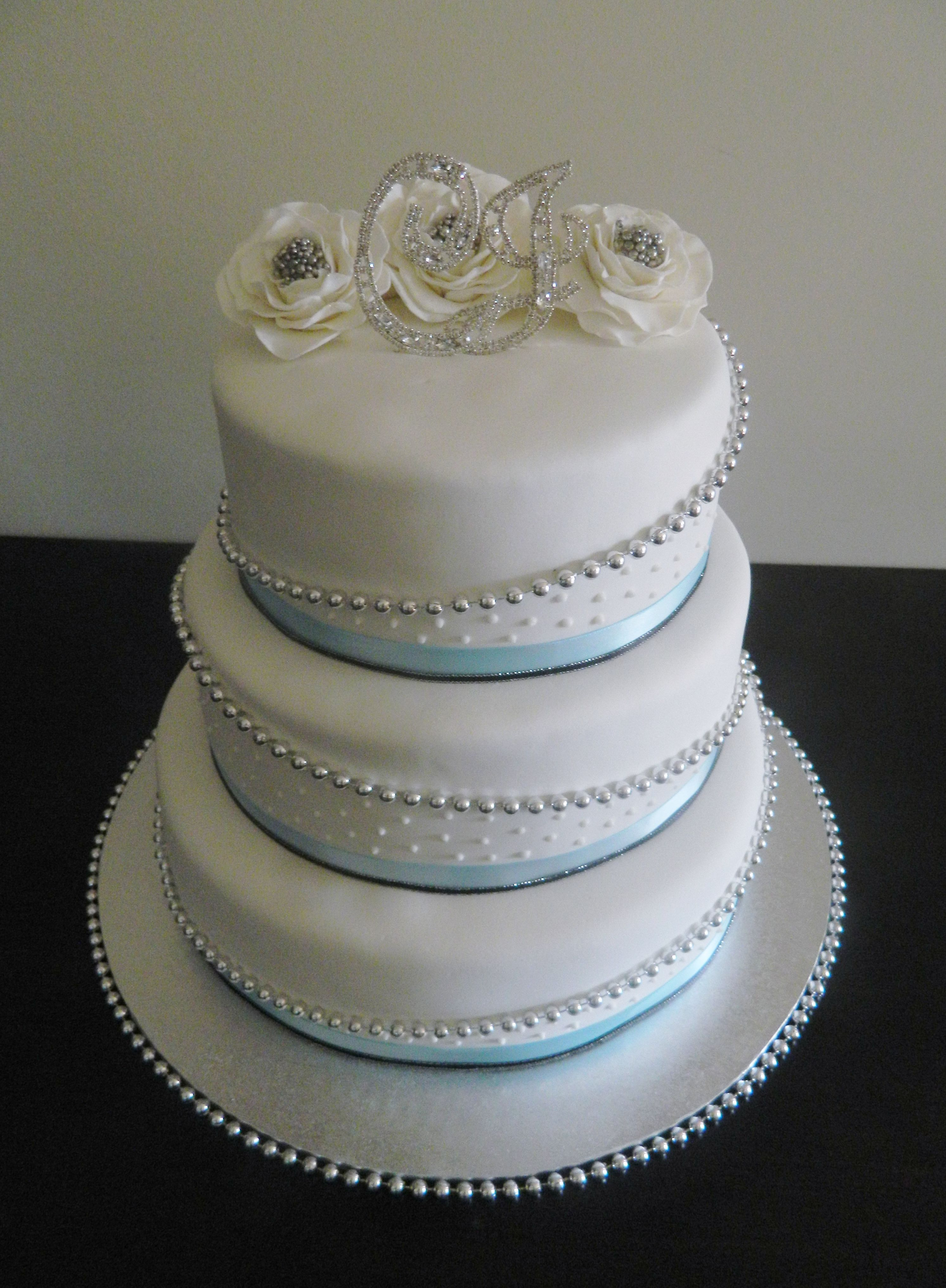 Wedding Cake Blue Silver Silver Wedding Cake Round Wedding Cakes Wedding Cakes Blue