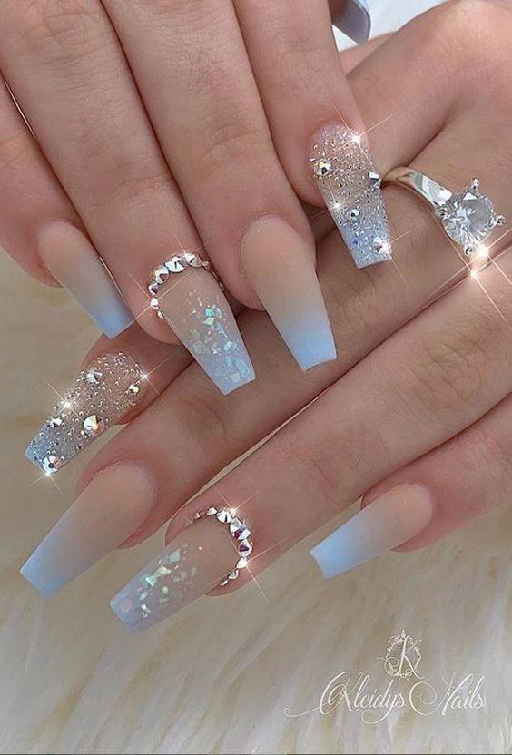 valentinesday nails 41 Kinds Long Coffin Gold Nail, More Suitable For Valentines Day #Nails #acrylicnails #christmasnails #coffinnails #gelnails #mattenails #Nails #naturalnails #shortnails