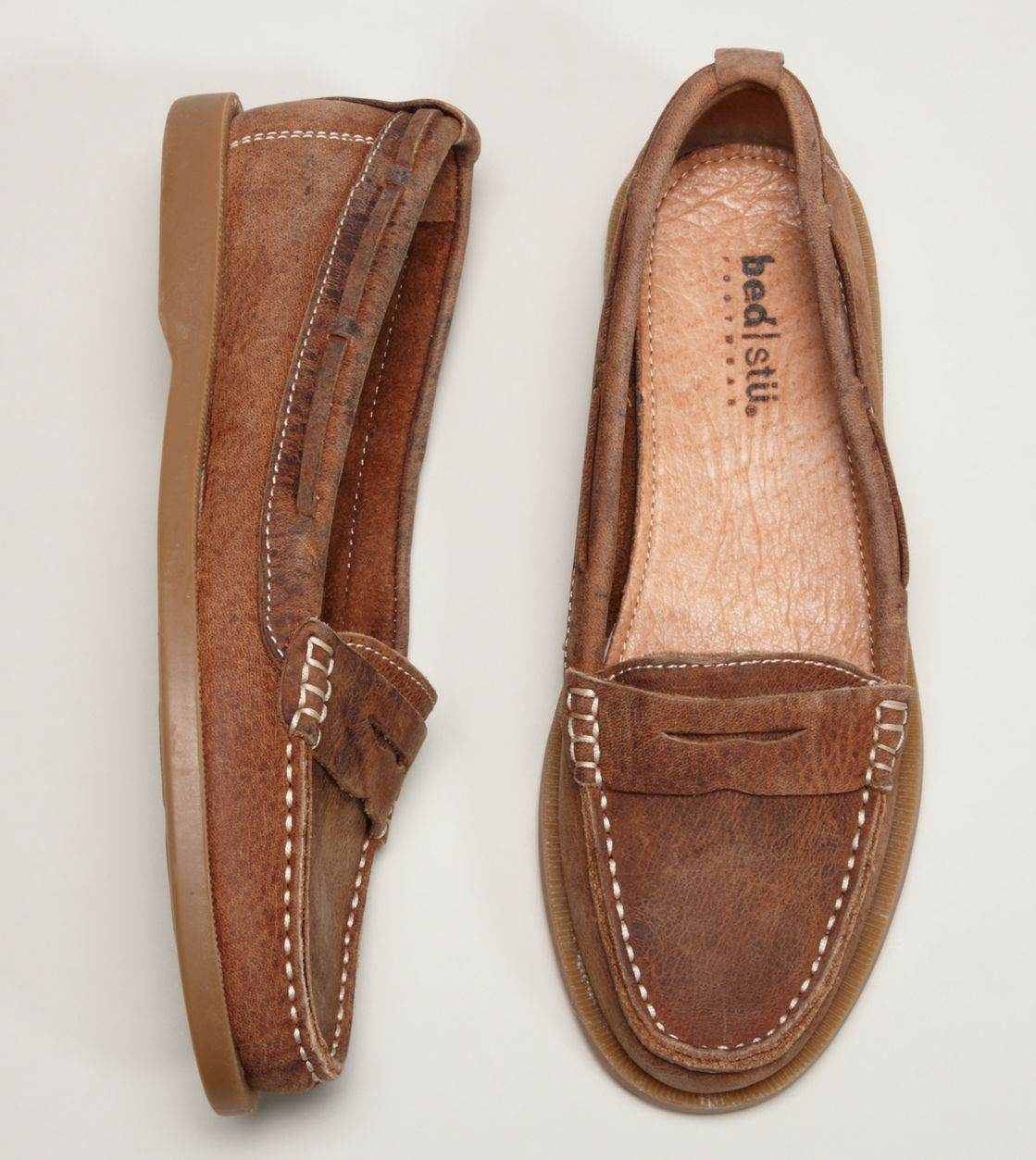 74b52f8dc3c Loving this pair from American Eagle! Everyday Shoes