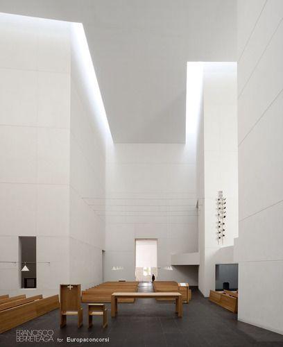 San sebasti n spain iglesia de iesu rafael moneo Diseno de interiores san sebastian