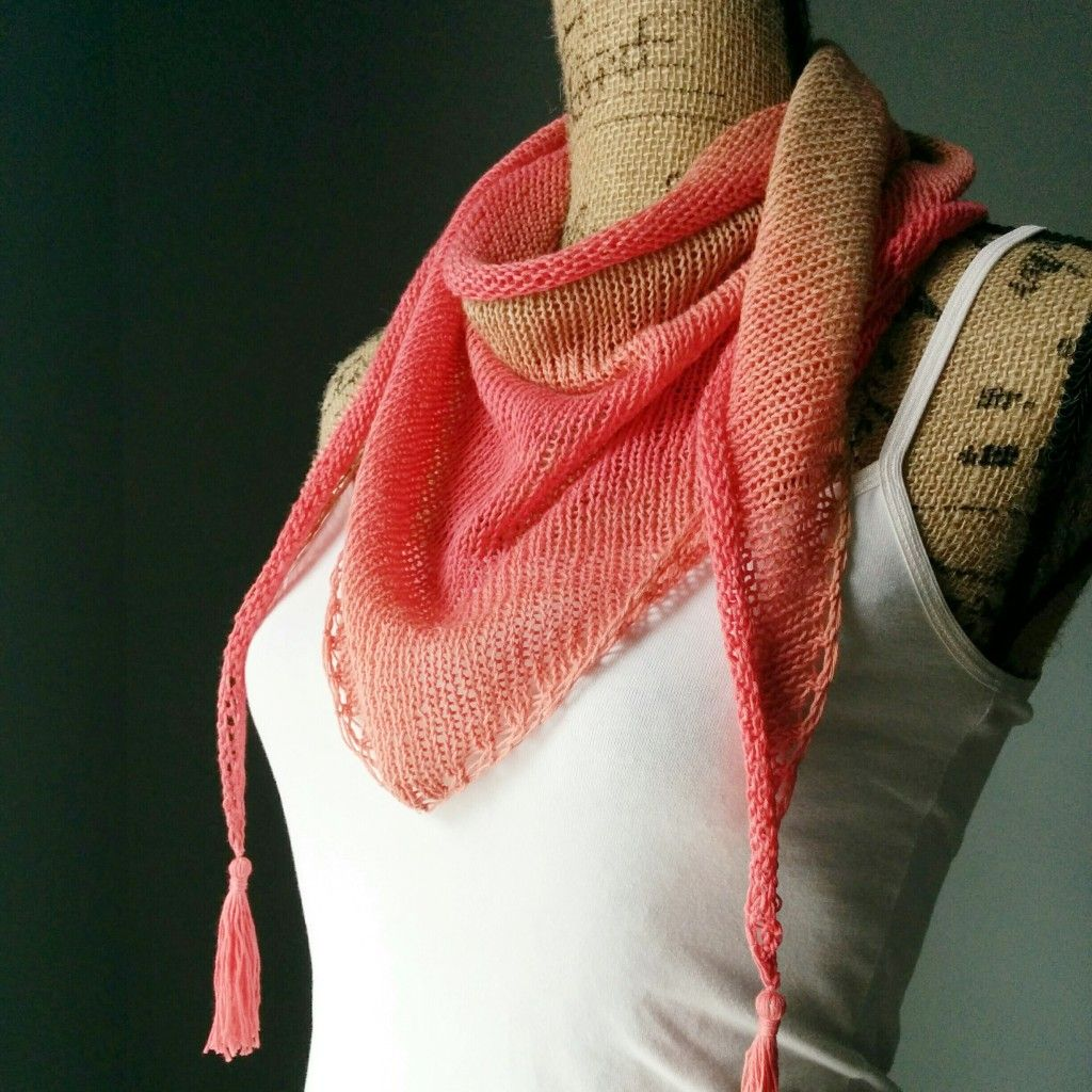 Stockinette Stitch Shawlette side view - Purl Avenue   Knitting ...