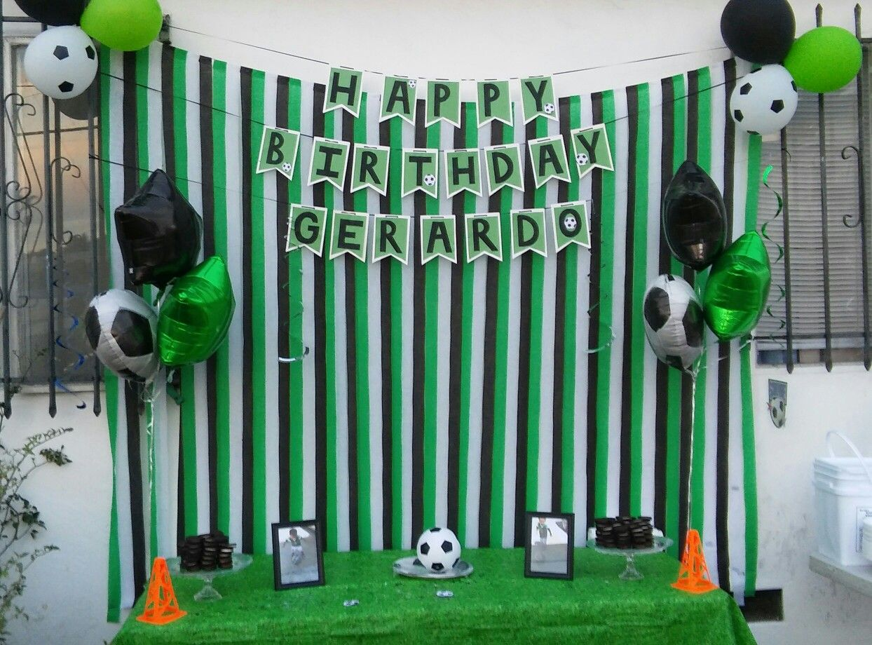 My Diy Soccer Themed Party Using Ideas From Pinterest Soccer Theme Parties Soccer Theme Football Theme Party
