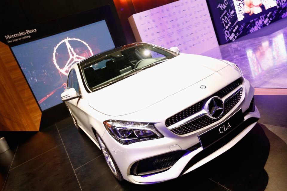 Affordably Upscale Luxury Cars Leasing For Under 300 A Month Car Lease Luxury Cars Luxury Car Interior