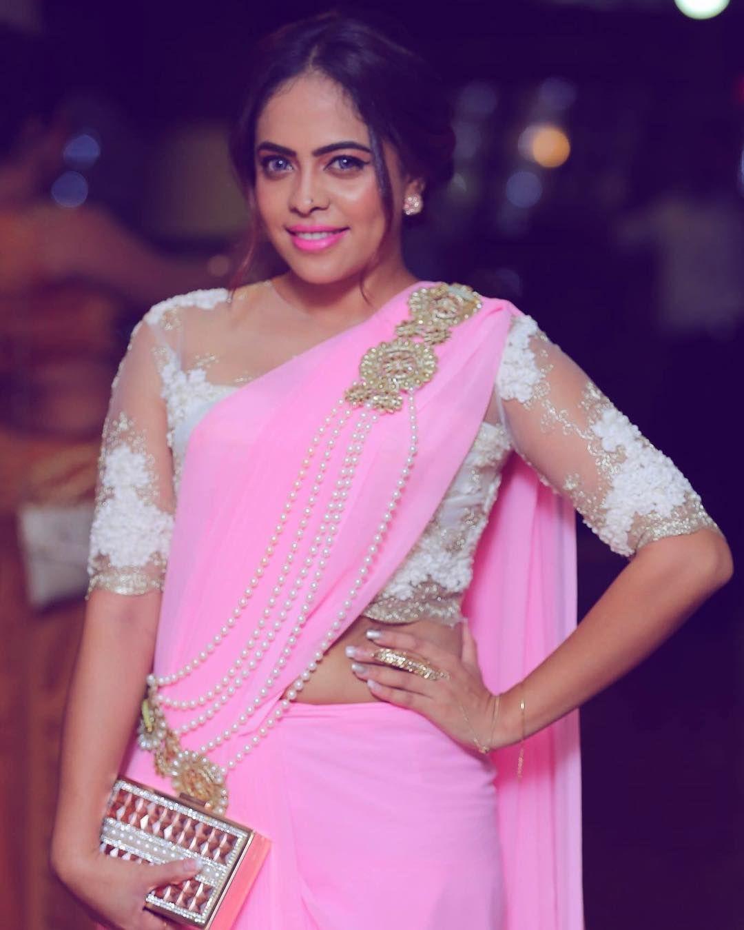 Menaka Maduwanthi Sri Lankan Actress | sari | Pinterest