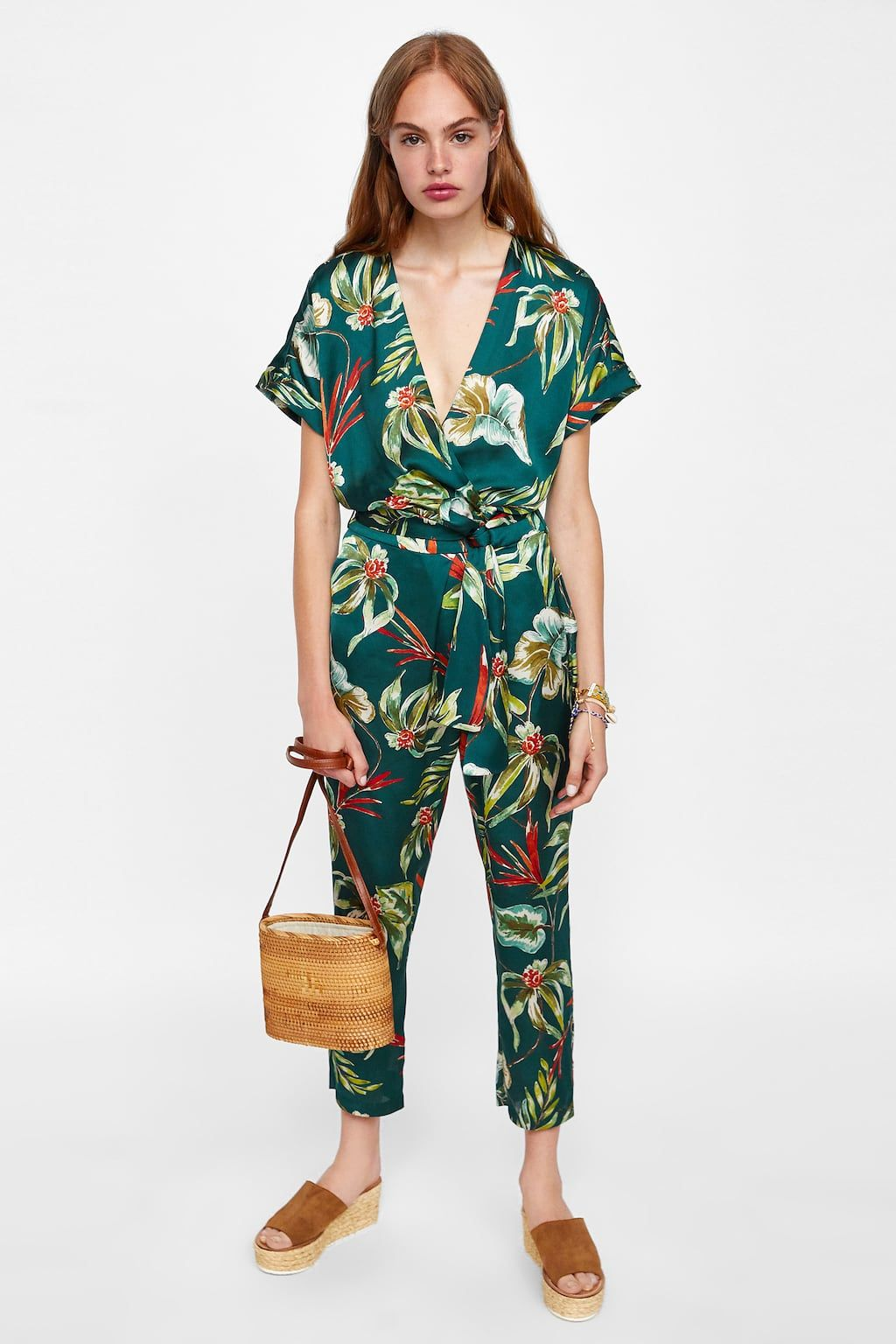 6dccd8a2 Image 1 of FLORAL PRINT JUMPSUIT from Zara | Dresses | Zara jumpsuit ...