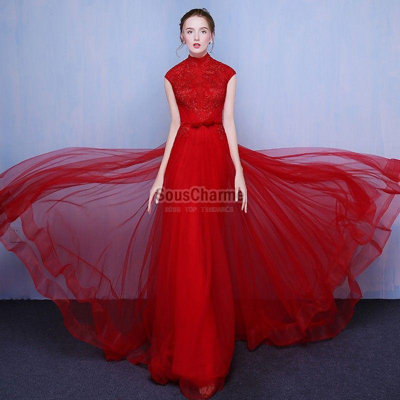 Robe en dentelle rouge longue