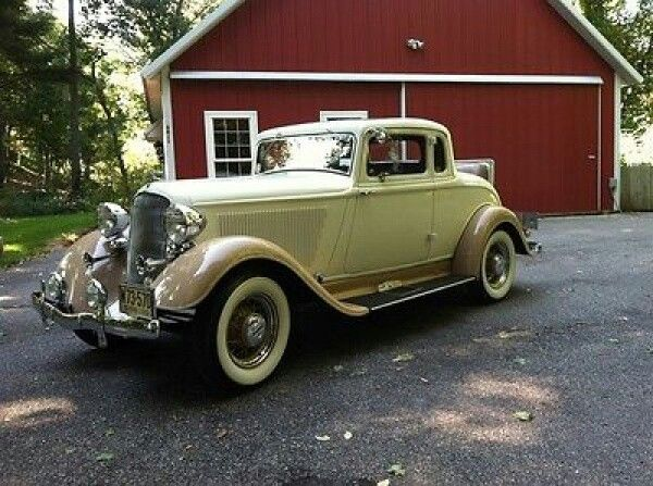 1933 Plymouth Couple with rumble seat