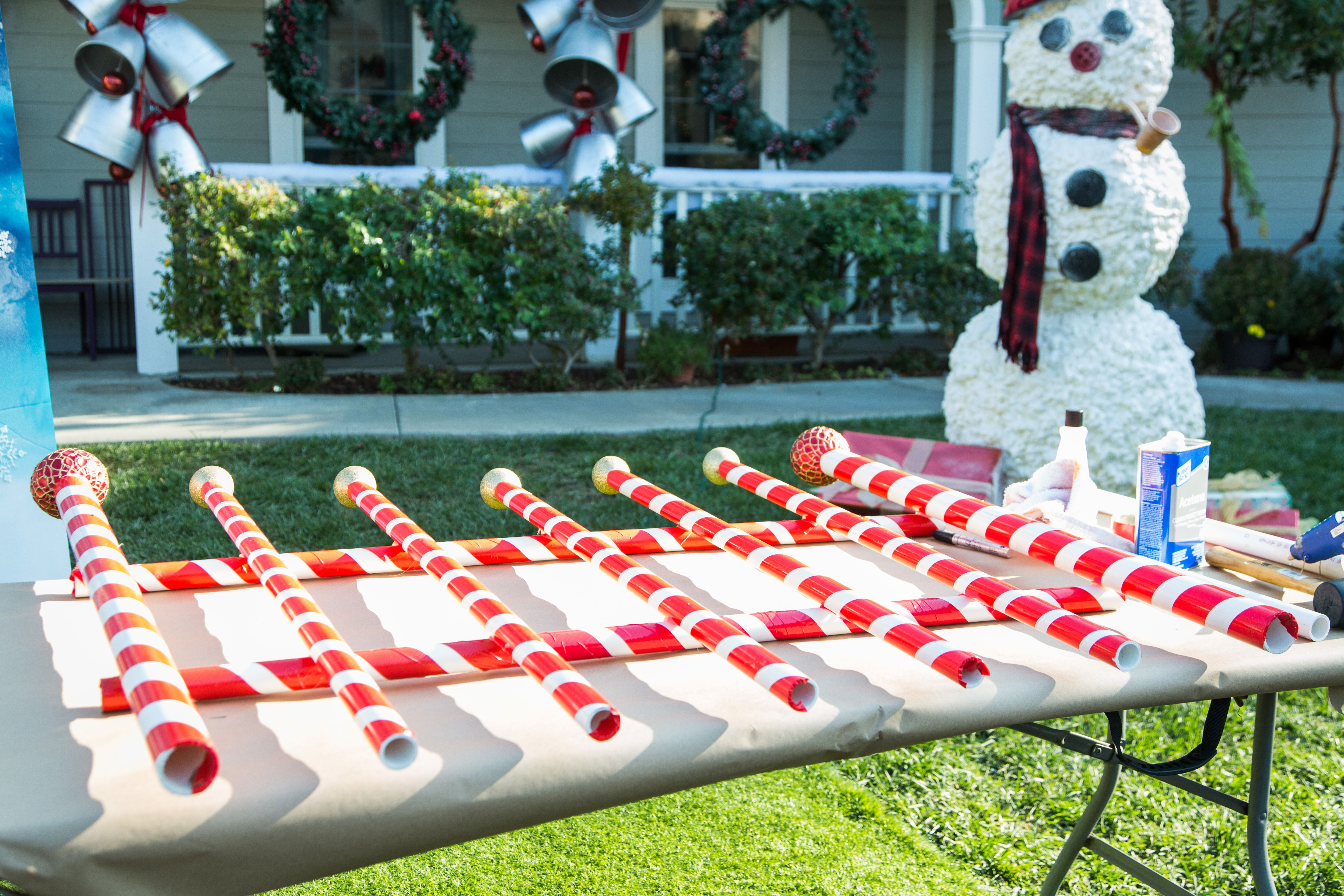 Get Your Yard Ready For Santa With Diy Giant Candy