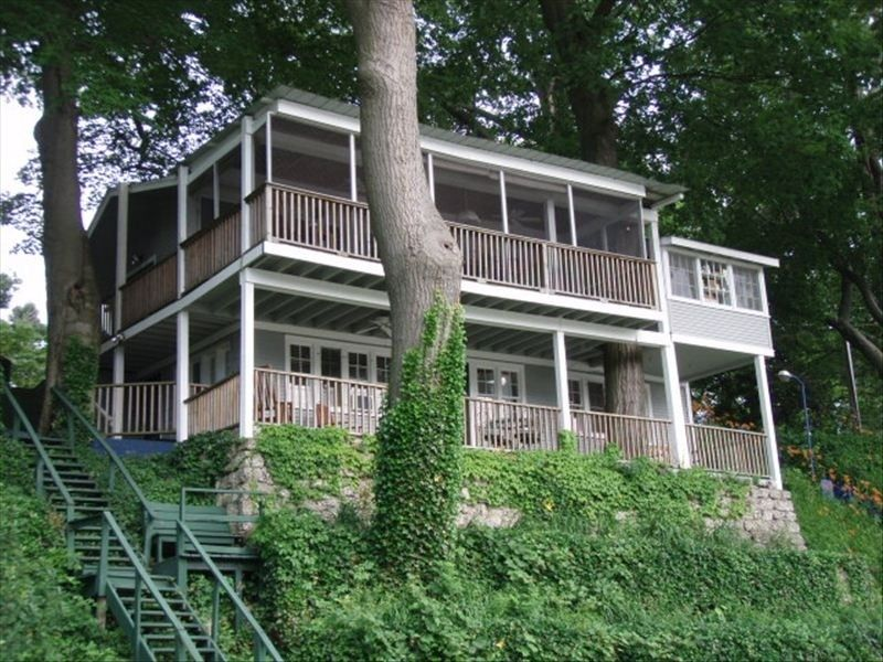 3 singapore dunes way saugatuck michigan lake living