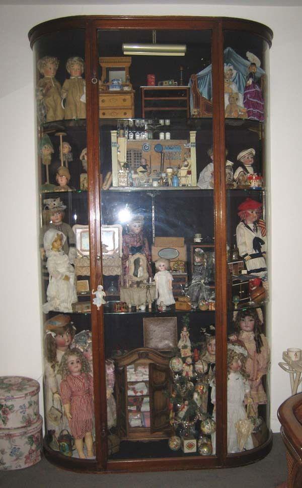 Antique American Mahogany Bowed Glass Vitrine Display Case