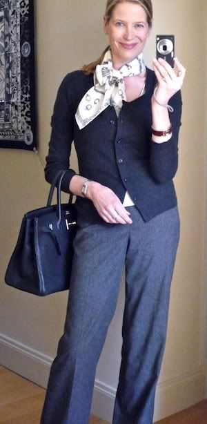 MaiTai's Picture Book: Scarf it Up - Criss cross bow with a 70 Carré - capsule wardrobe #32