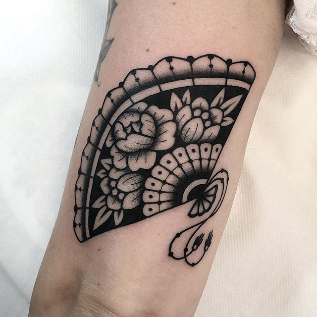 "✤ ariannafusini ✤ on Instagram: ""At @soulshoptattoorimini grazie Daniela :))"""
