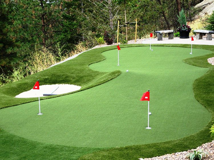 4 Qualities of a Competent Installer of Putting Green in