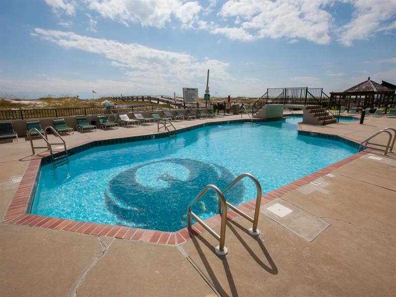 The Amenites Offered At Phoenix East Include An Indoor Pool An Outdoor Pool With A Splash Pad Lighted Tennis Courts Ba Vacation Rental Outdoor Pool Vacation