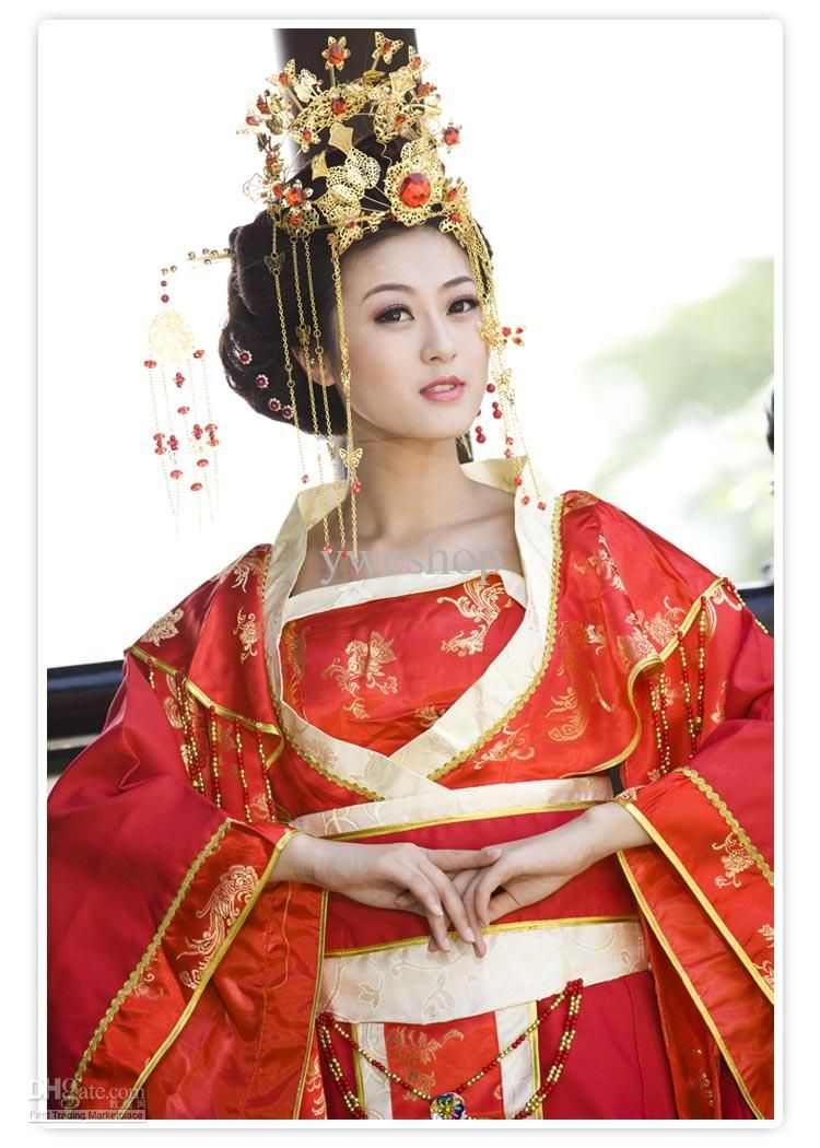 Chinese wedding dresses traditional dress fell in for Wedding dresses in china