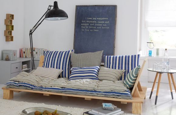 f r tagtr umer und absolute genie er diese loungeliege wird mit vielen kissen und einer weichen. Black Bedroom Furniture Sets. Home Design Ideas