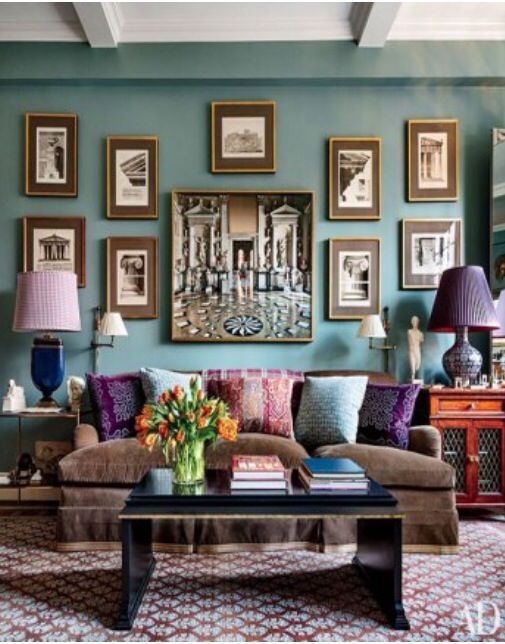 Love the teal wall