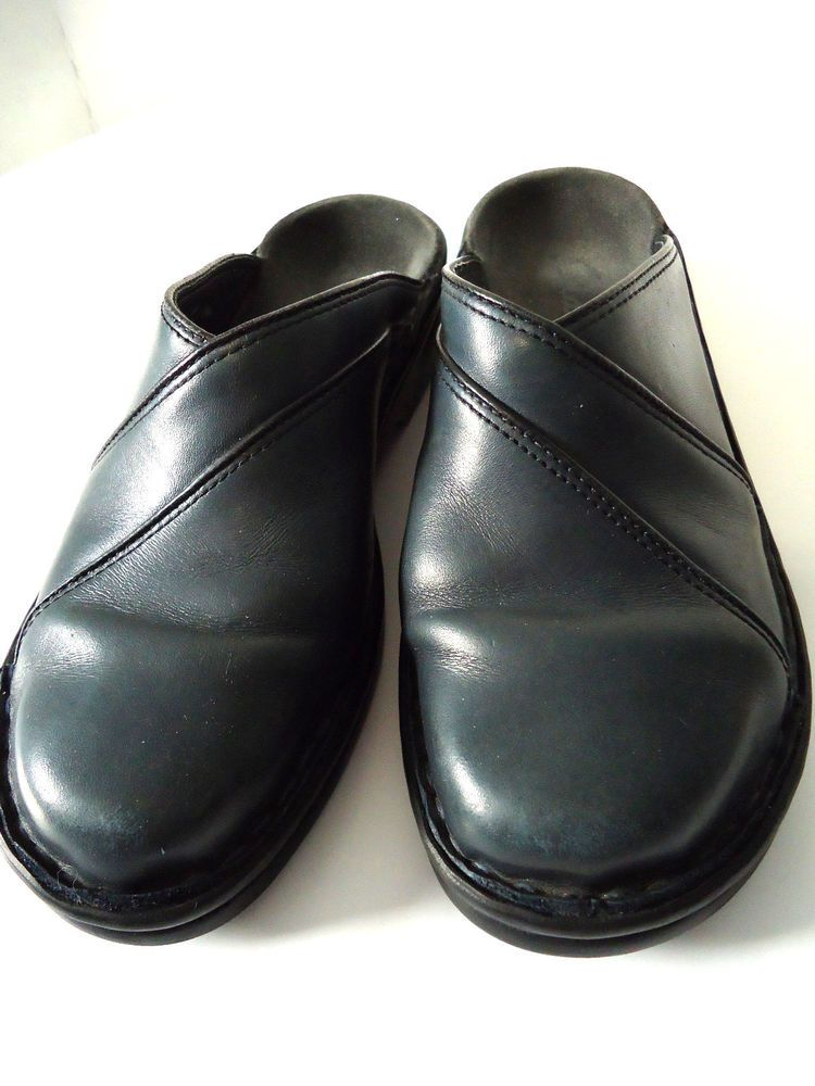 Clarks Womens Comfort Sz 5 M Navy Blue Leather Mules Clogs Slip On Shoes Flat