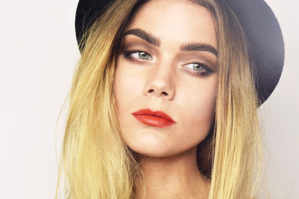 linda hallberg makeup look inspired by cara delevigne. Black Bedroom Furniture Sets. Home Design Ideas