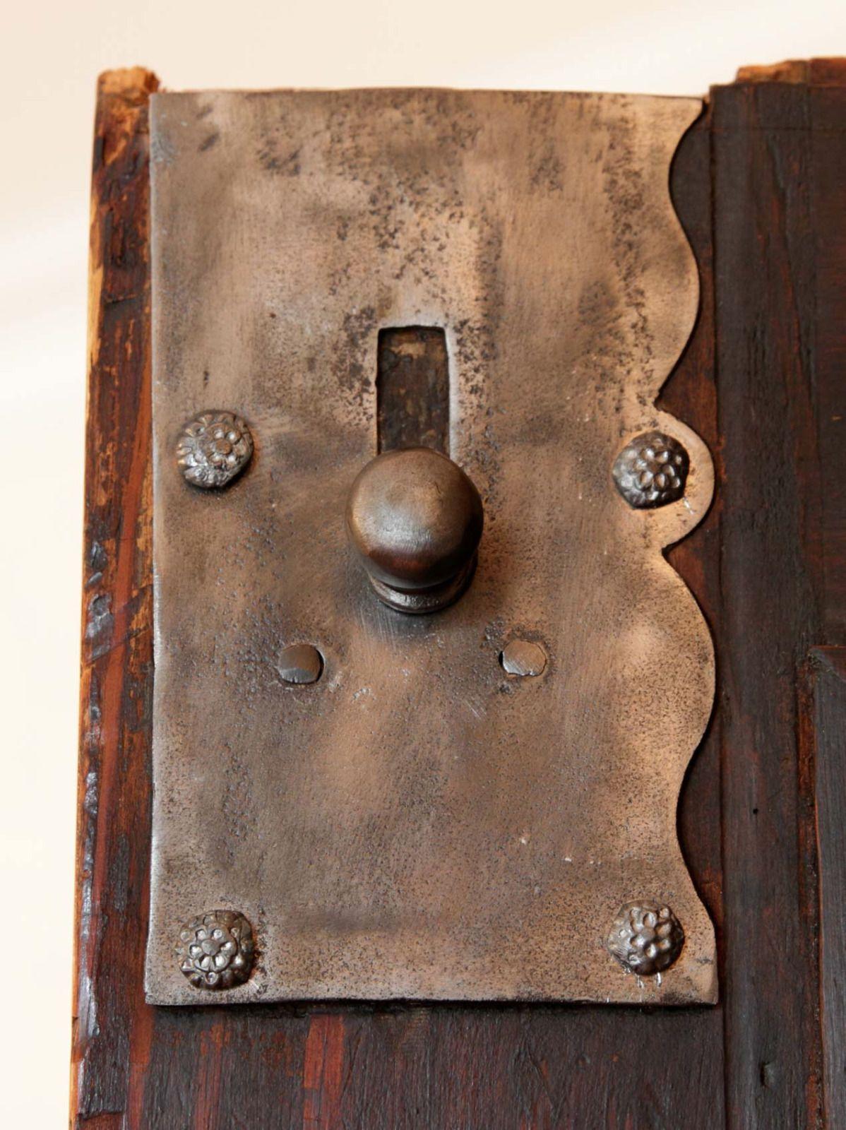 Interieur kunst  Frankfurter Wellenschrank, Original, Nussbaum in Antiquitäten ...