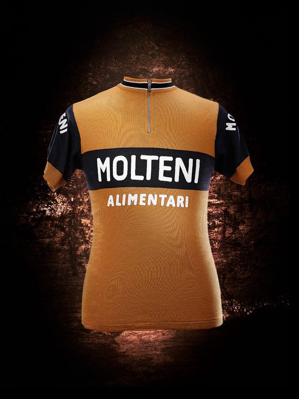 Molteni Team 1974  vintage  cycling  molteni  brooklyn  ciclismo   wielrennen  koers  cyclisme  maillot  koerstrui  eddymerckx  merckx   menswear  fashion ... 05fa868ef